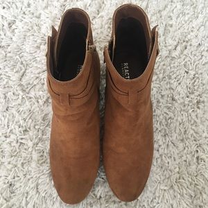 Kenneth Cole Shoes - Kenneth Cole 8.5 Booties